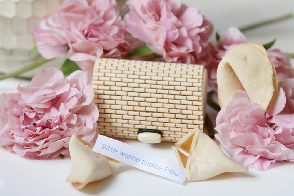 Glückskeks mit Ringbox Blumen Heiratsantrag